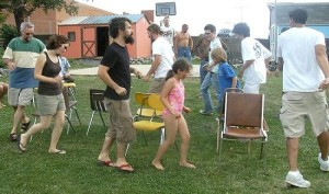 4-juegos-movidos-para-ninos-silla